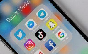 Aplicația Tik Tok un trend printre cei tineri